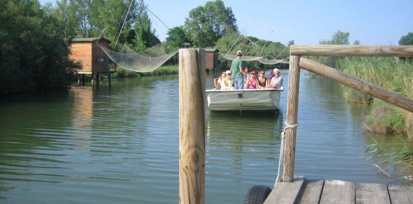 salina in barca Bootsfahrt in der Saline saltpan by boat